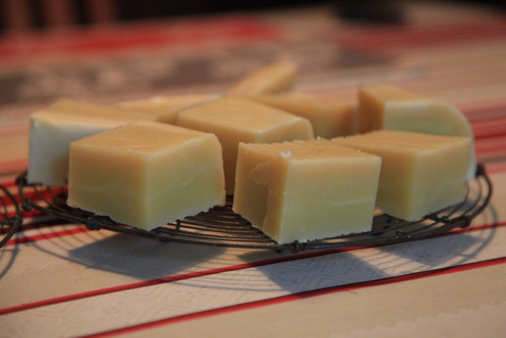 home-made-soap-53072b6977d740.07094187